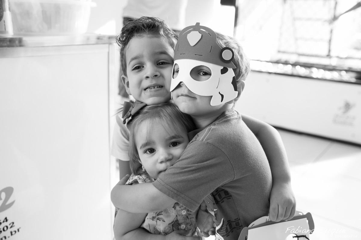 amigos na festa de criança