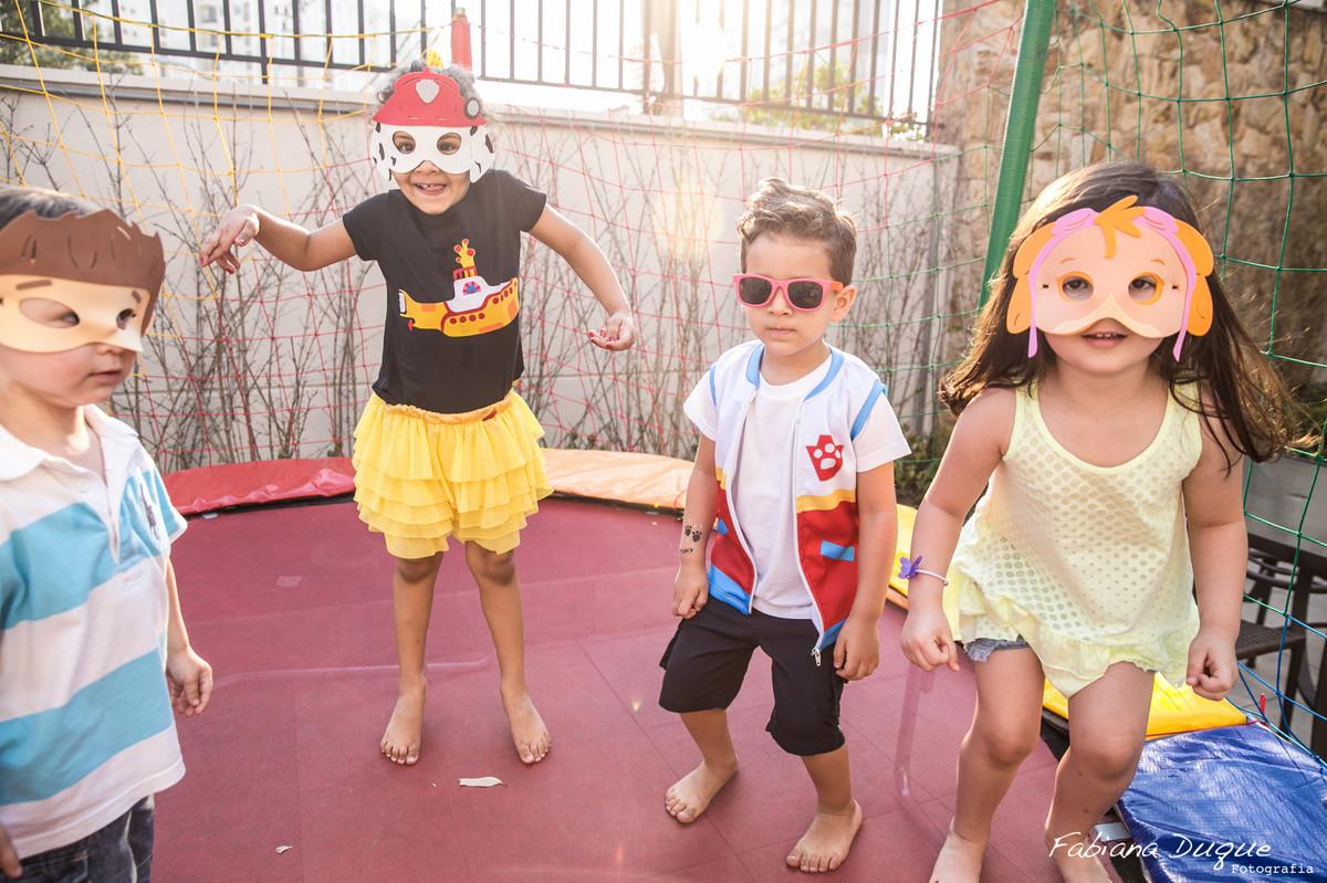 Pula pula em festa de criança