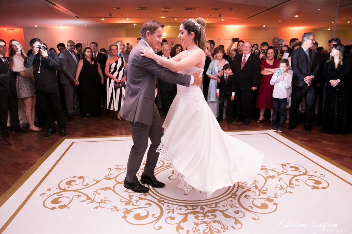 Valsa da noiva com o pai
