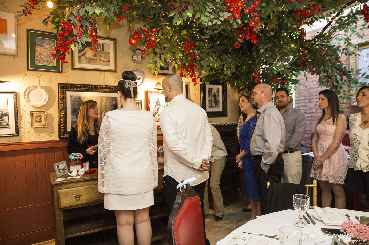 Casamento pequeno feito no restaurante Ruella
