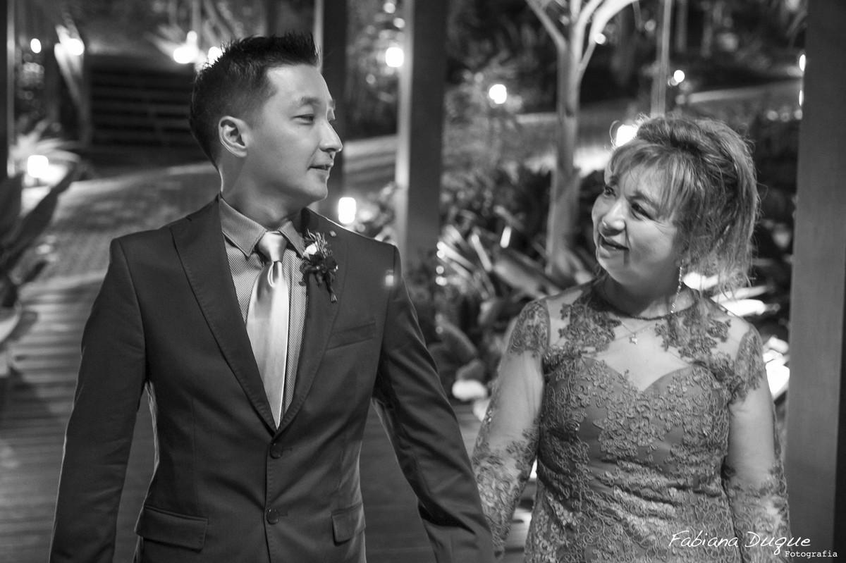 mãe do noivo e noivo, casamento, mini wedding, fotos espontâneas