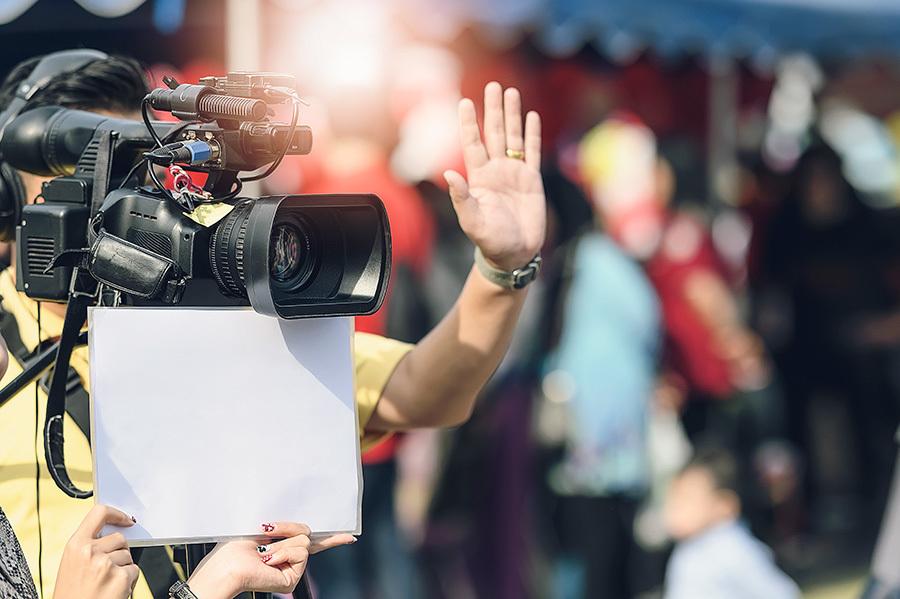 Imagem capa - Vídeo Institucional, ter ou não ter? por Espelho Audiovisual