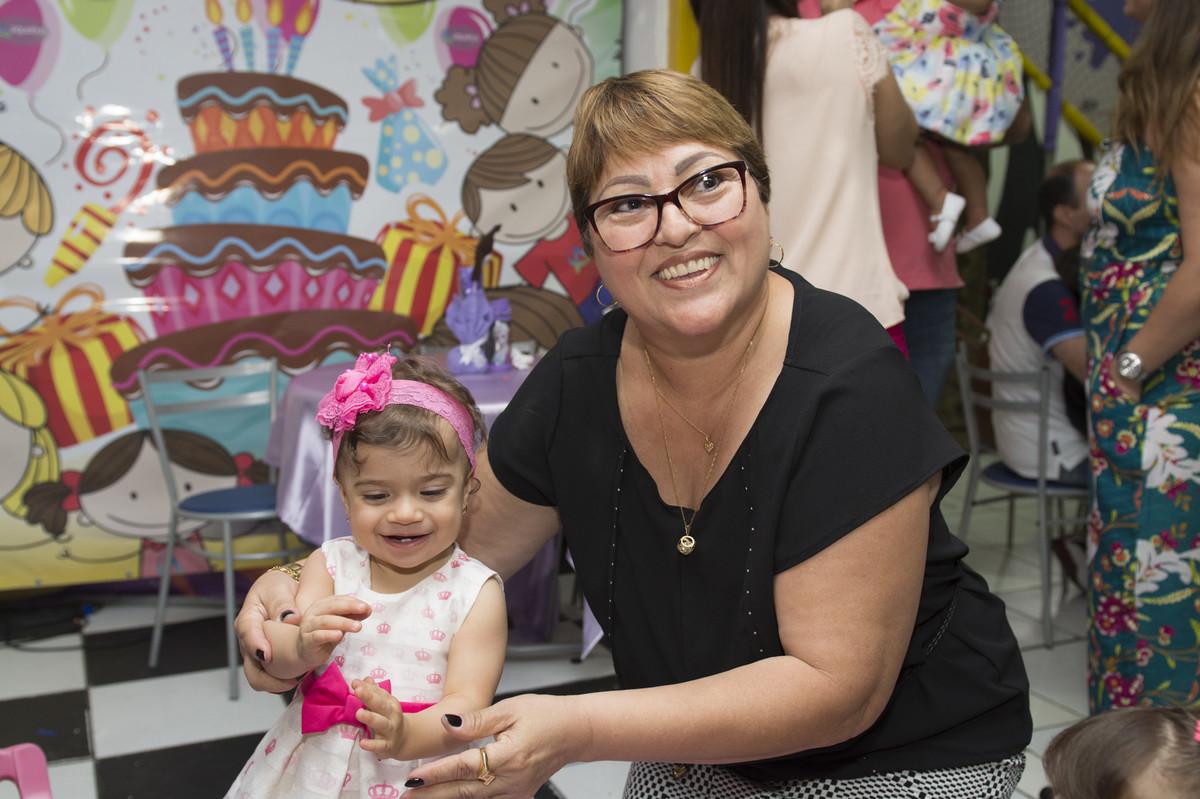 A princesa posou para o ao lado de seus pais na mesa do bolo para o fotógrafo de festa infantil e aniversário Marcel Ramos  RJ 028