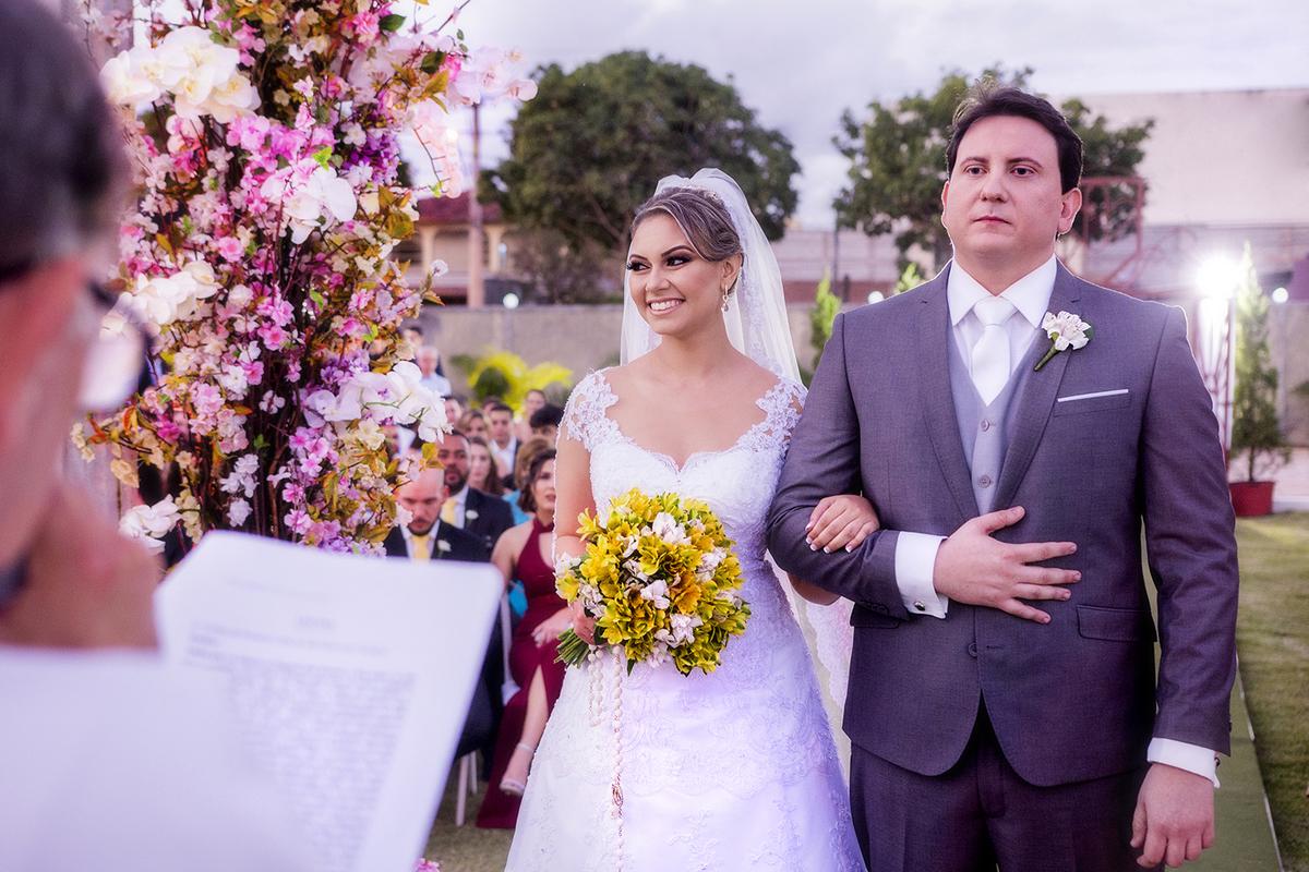 Imagem capa - Casamento ao Ar Livre - Vantagens e Cuidados para garantir fotos FANTÁSTICAS!  por Raphael Garcia