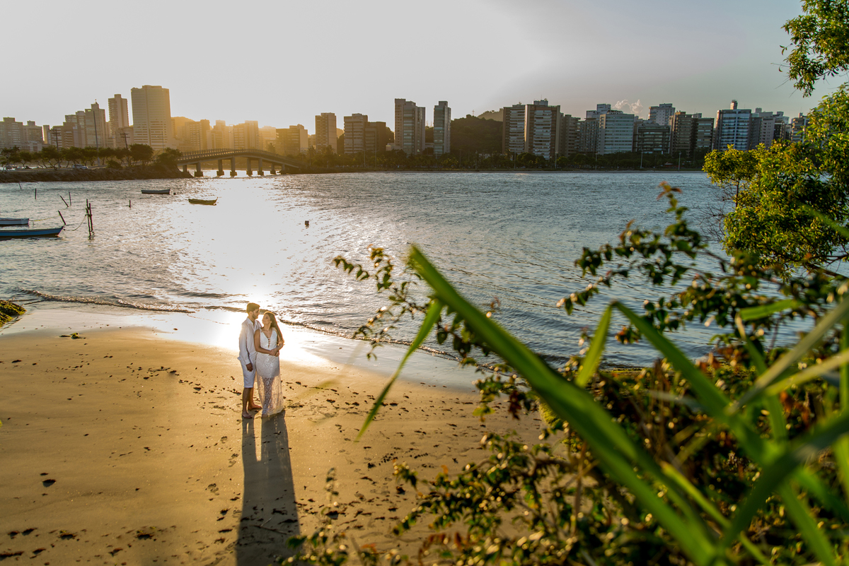 Imagem capa - 4 lindas praias para se fotografar ensaios na Grande Vitória e região! por Raphael Garcia