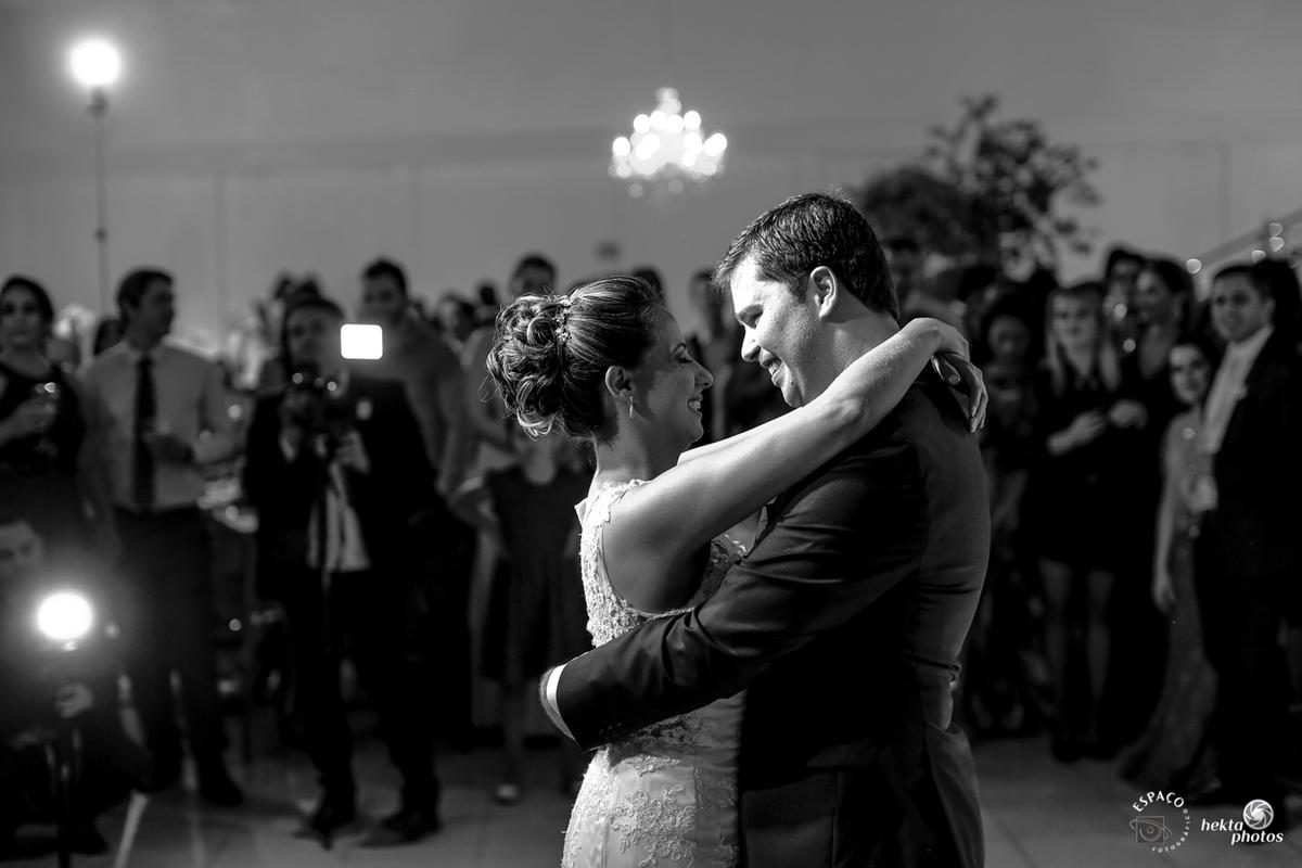producao dos noivos na mansao jao goiania fotografia de helio junior fotografo espaco fotografico goiania a melhor empresa de fotografia de goiania danca do casal valsa