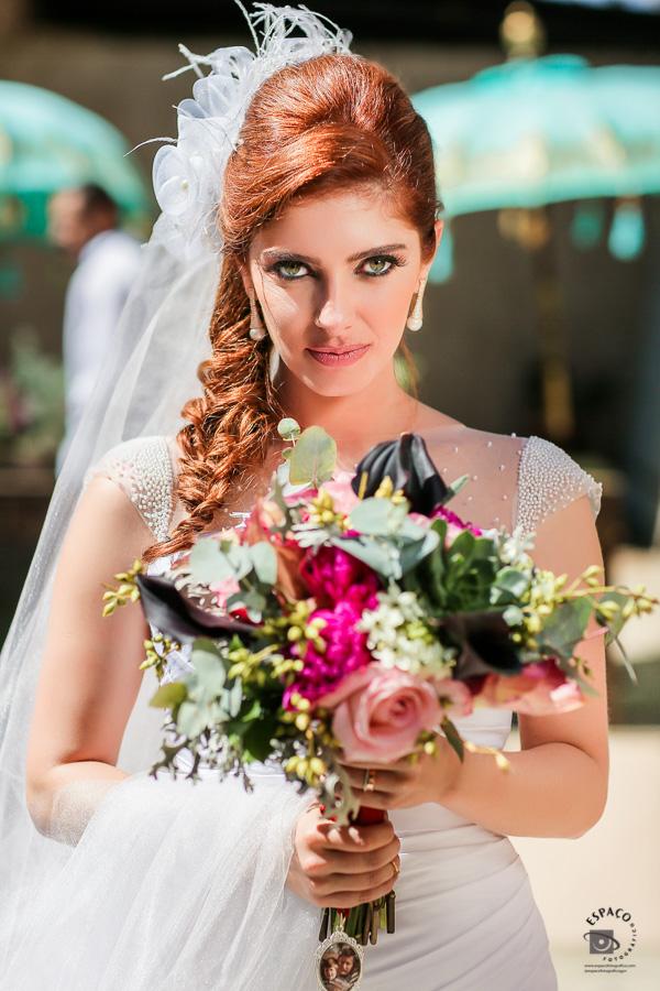 Imagem capa - Vai se casar e não sabe qual  buquê usar? Nós vamos tentar te ajudar. por Espaco Fotografico Ltda