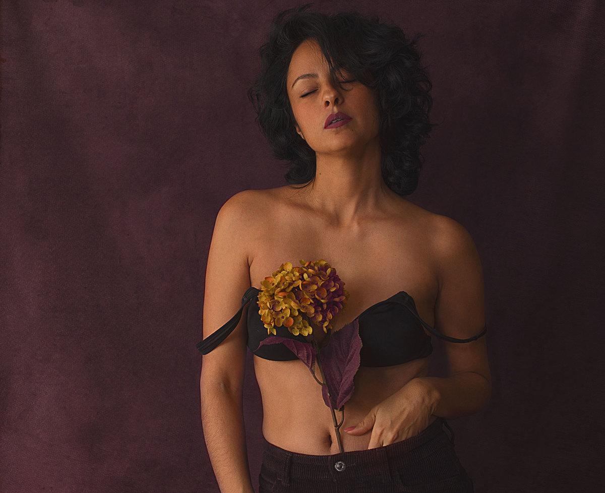 Imagem capa - Por qué me autorretrato? por Raquel Marcato
