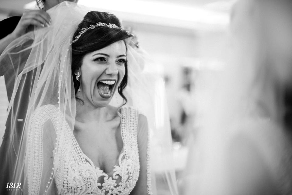 Imagem capa - Fotos da noiva: o que não pode faltar no álbum? por Cleber Roberto de Almeida Junior
