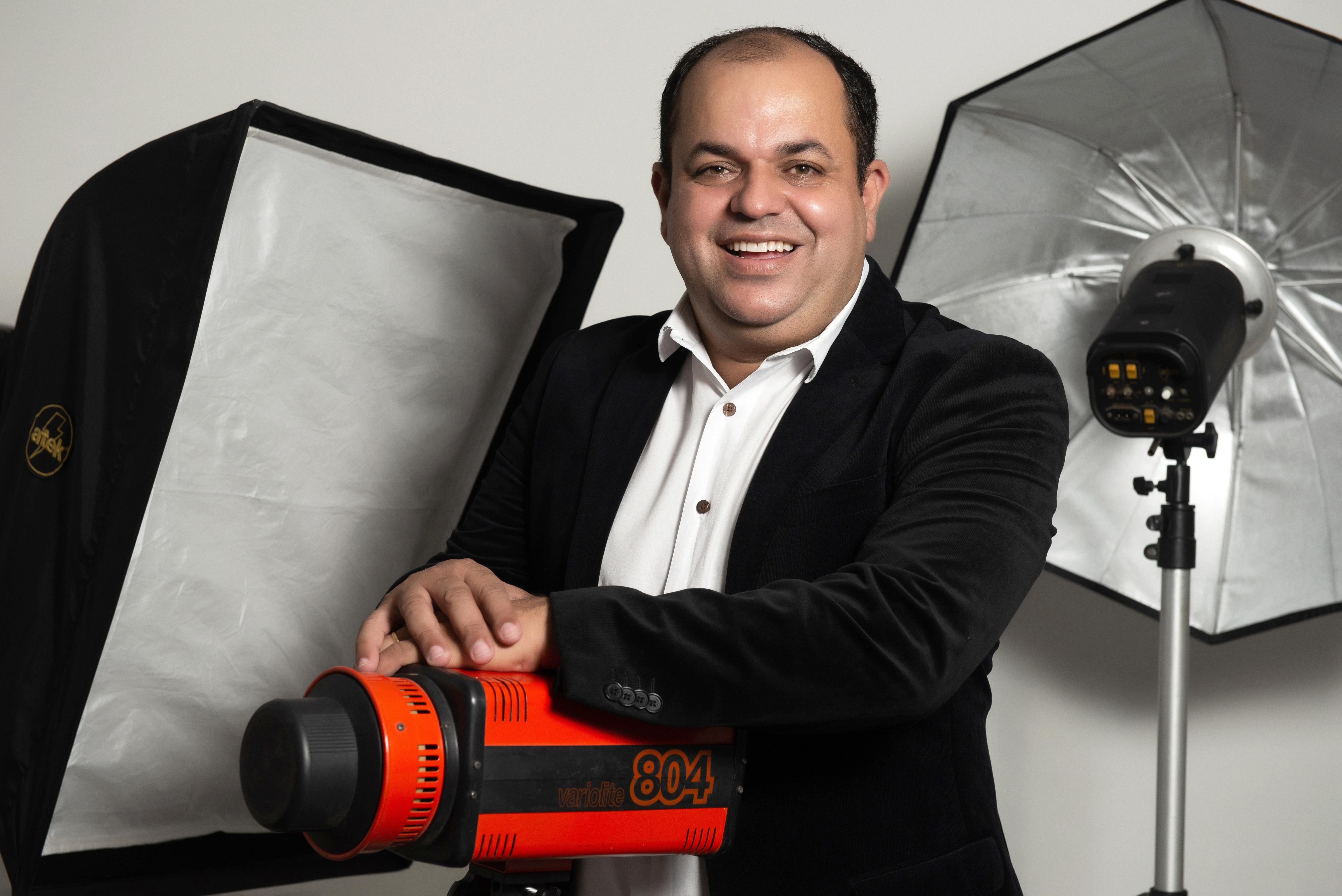 Sobre Cabine de fotos/ Fotografo/Ensaios Fotográficos/Studio- Santos - SP - Marcelo Fabiano Fotografia de Eventos