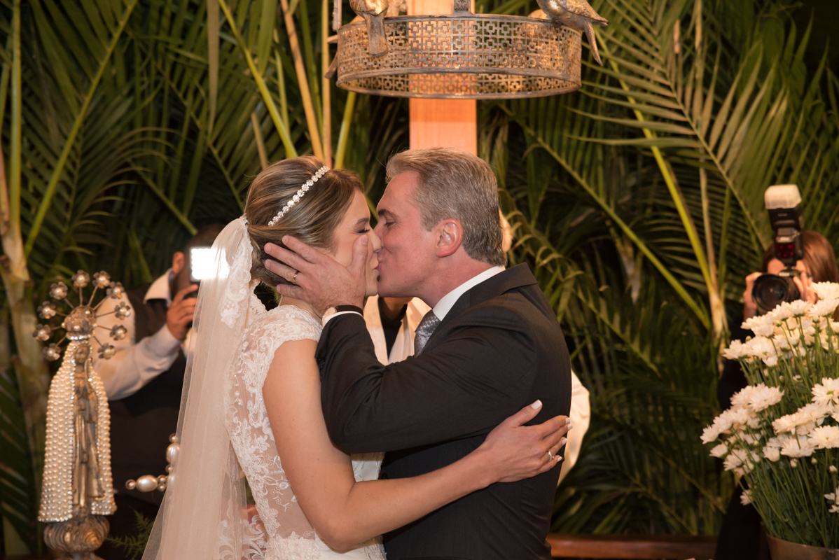 Kisses - Fotografia de casamento da Verônica e Roberto - Fotografias de casamento em Alphaville SP - No Armazém 465