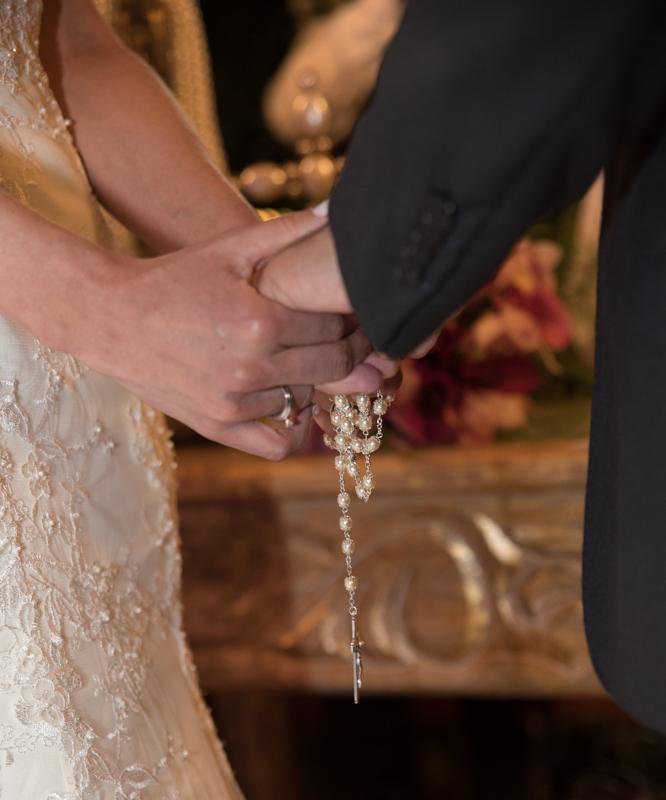 O terço - Fotografia de casamento da Verônica e Roberto - Fotografias de casamento em Alphaville SP - No Armazém 465
