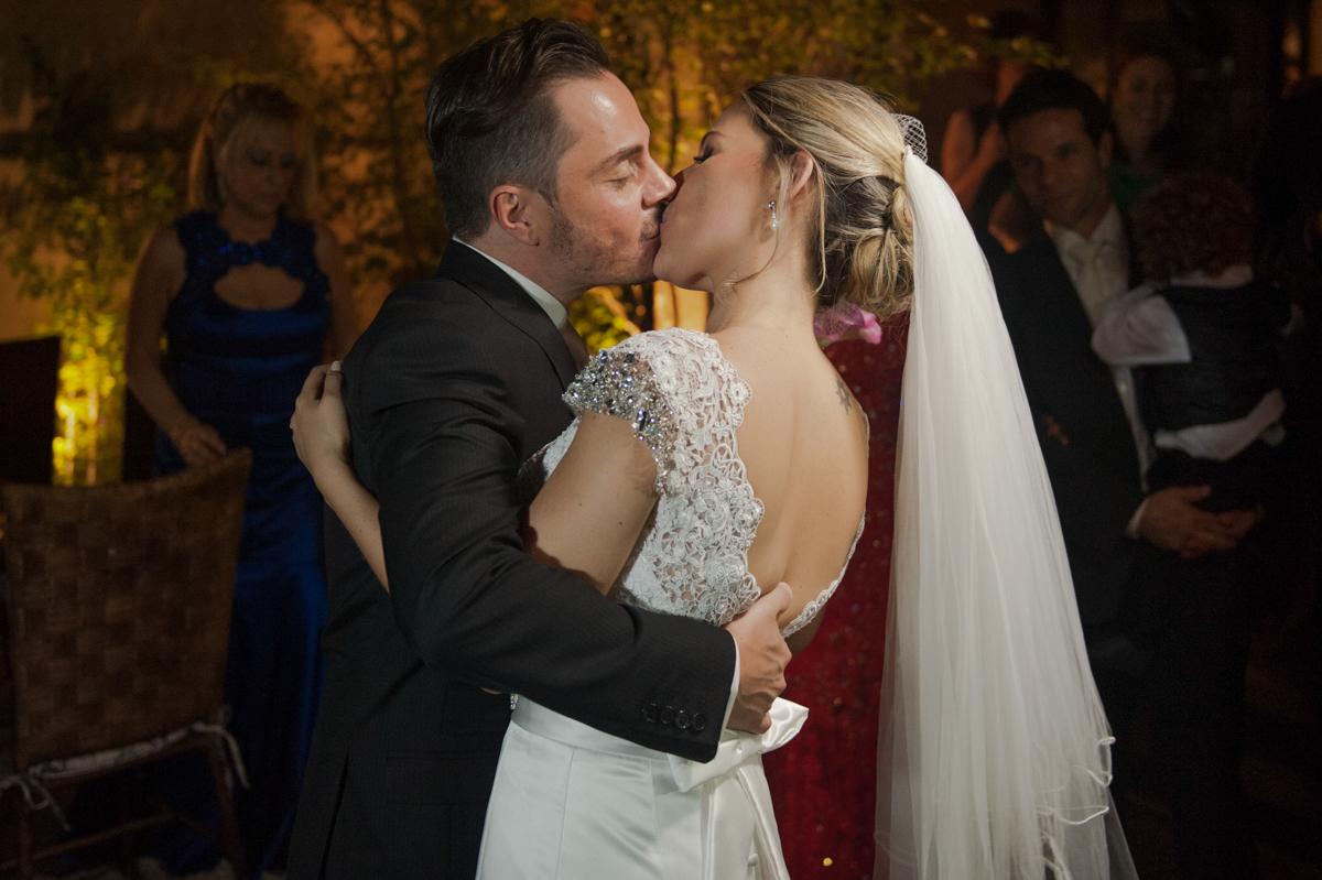 O Amor!!! casamento Carol e Thiago - Fotografia de casamento top em São Paulo SP  Fotografamos o casal em Alphaville, muita alegria com esse casal fantástico!