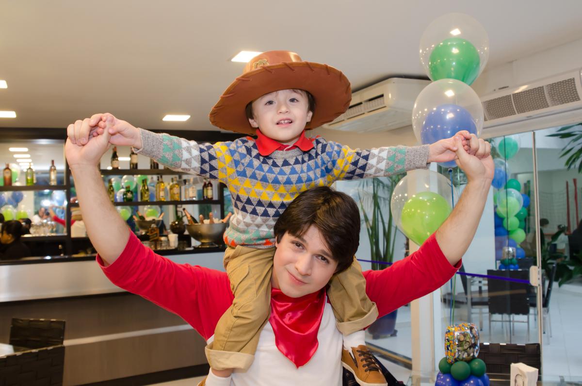 Wendy Fotografias do Enzo 3 anos - Festa de 3 anos do Enzo - fotografia e vídeo dessa festa infantil Maravilhosa.