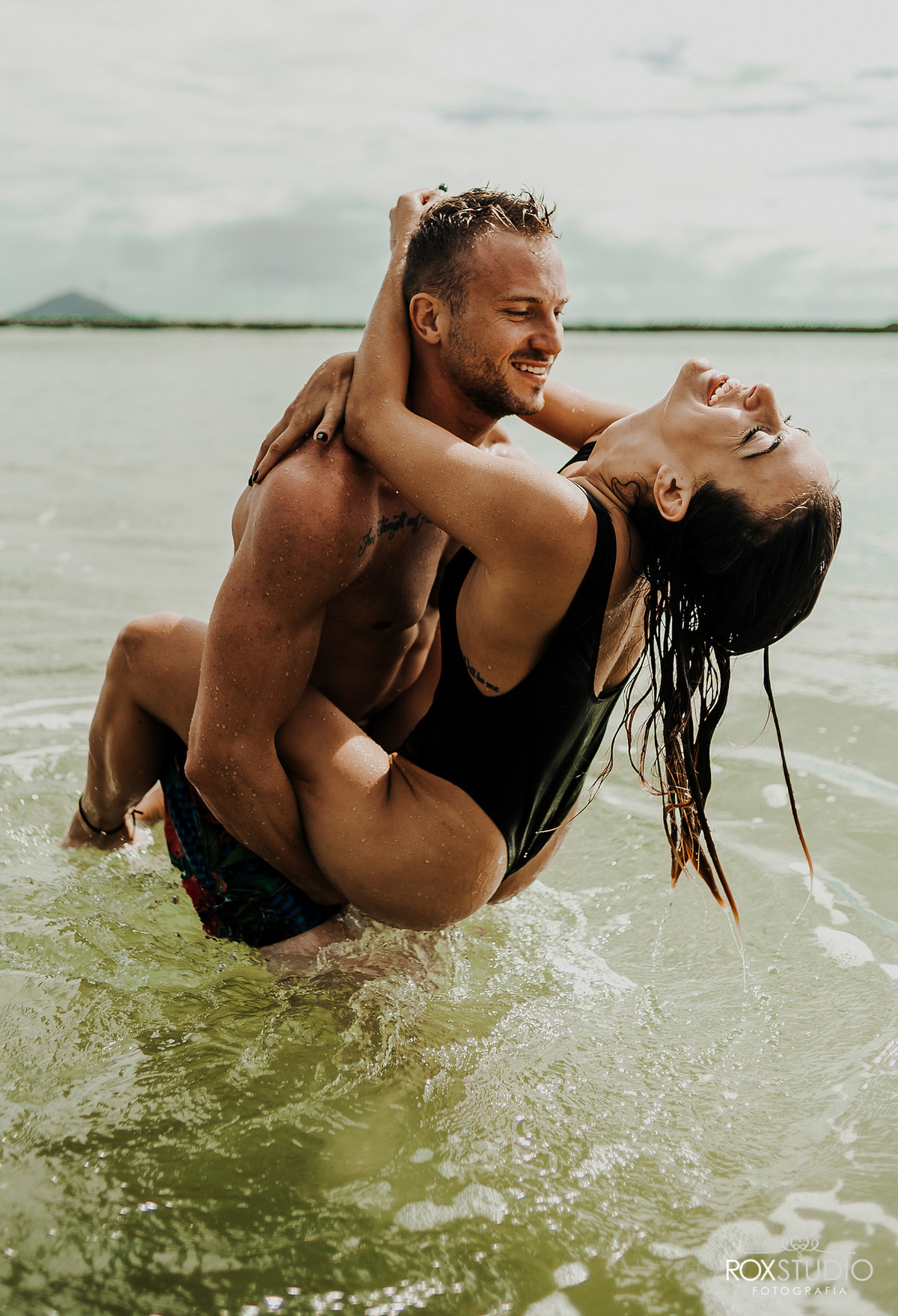 Imagem capa - Book Casal na Praia Brava  Itajai - Nataly e Wallysson por Willian Pereira