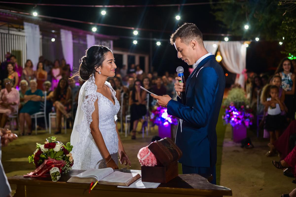 Imagem capa - Um olho na foto, outro na lágrima - momentos que nos emocionam bastante nos casamentos por Rafael Santana