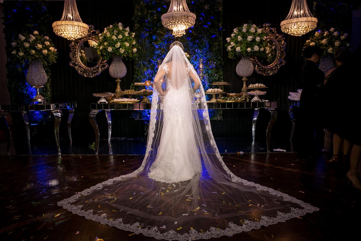Imagem capa - Por que as noivas usam véu? por Mateus Mitsuo Asada