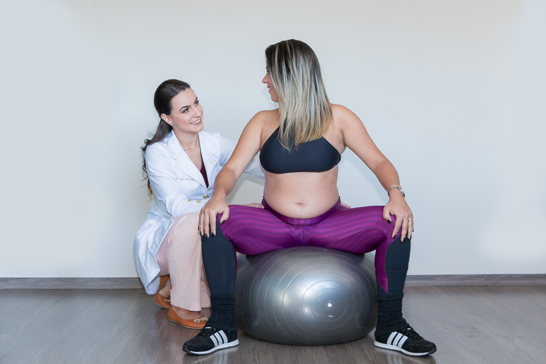 Imagem capa - Exercício físico na gestação e benefícios para gestante e o feto por Giscellayne Rodrigues Perez