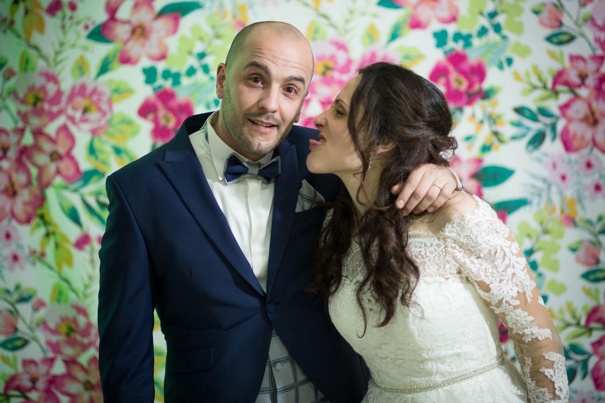 Imagem capa - Crazy PhotoBooth por Fotografo de casamentos - Quadrado de Sonhos