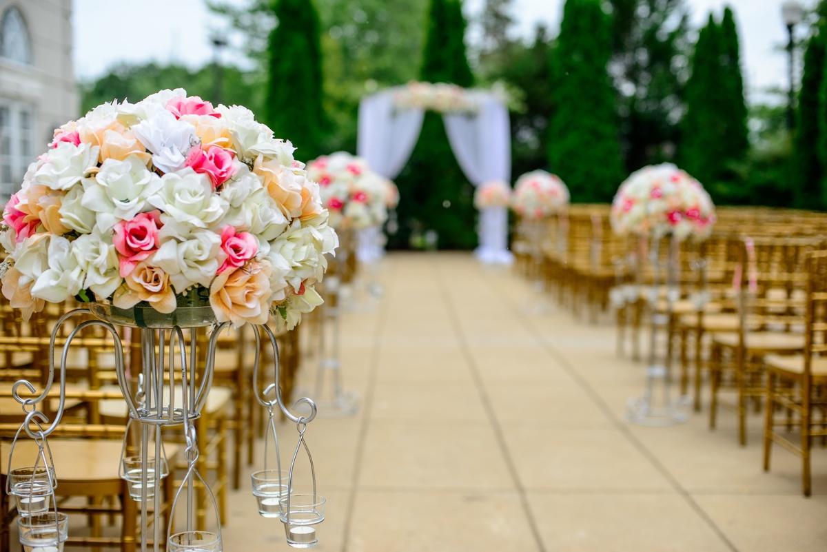 Imagem capa - Quais as melhores flores para decorar o casamento? por Quinta da Devesa
