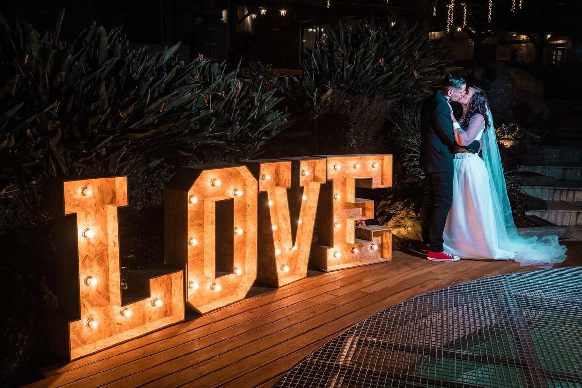 Imagem capa - Mini Wedding: como organizar um casamento intimista? por Quinta da Devesa