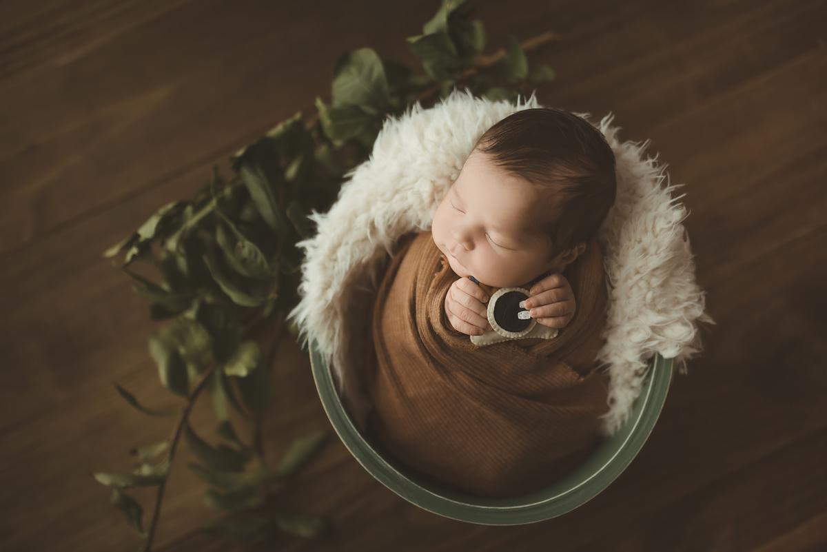 Imagem capa - COMO É UM ENSAIO NEWBORN? – Dicas para os papais e mamães! por Carolina Lena
