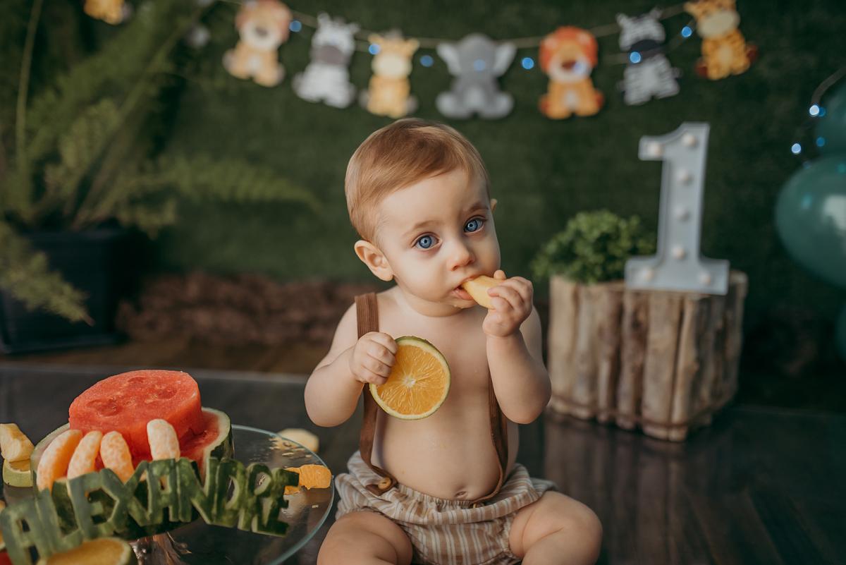 Imagem capa - SMASH THE CAKE ou FRUIT? Bolo ou frutinhas? por Carolina Lena