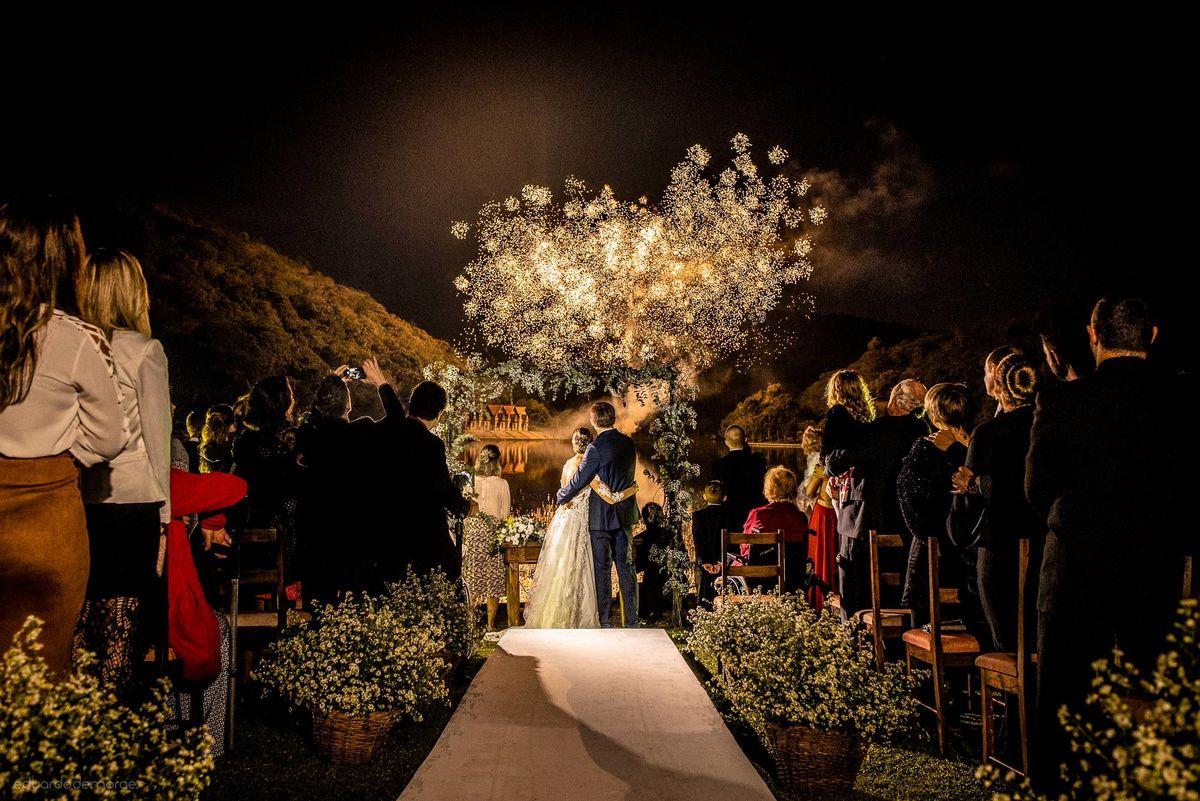 Imagem capa - Pelos Olhos da Noiva - Alice e Guilherme por Eduardo de Moraes Oliveira