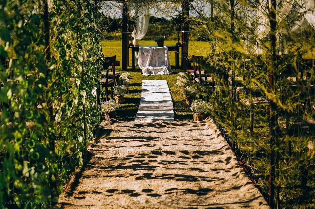 Imagem capa - Conheça 10 rituais para deixar a sua cerimônia de casamento ainda mais inesquecível! por Eduardo de Moraes Oliveira