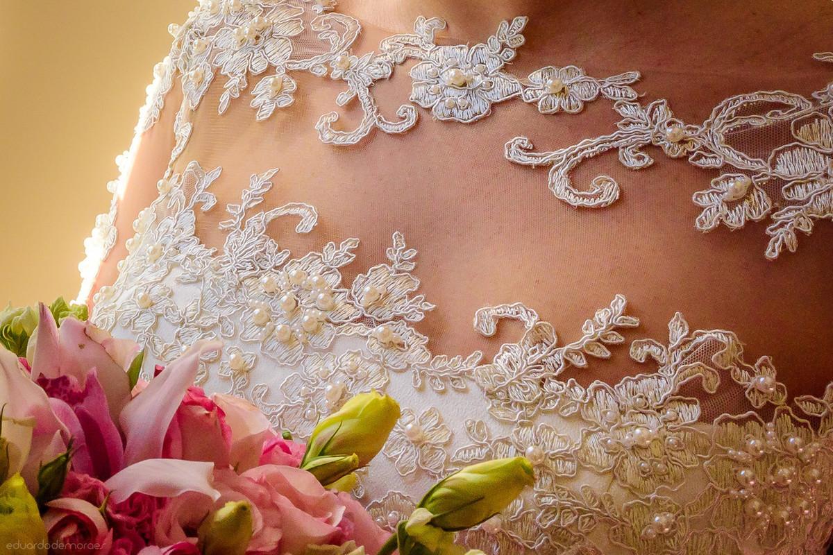 Imagem capa - Preciso escolher meu vestido de noiva e agora? por Eduardo de Moraes Oliveira