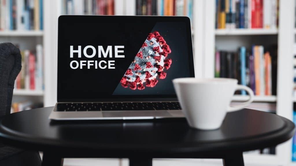 Imagem capa - 5 Dicas para Você Trabalhar Home Office! por Eduardo de Moraes Oliveira