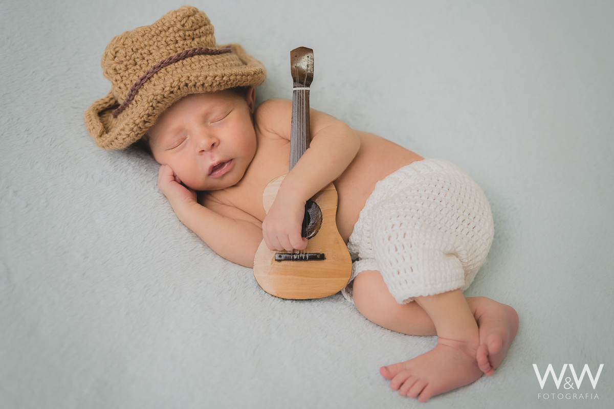 newborn sao paulo menino cowboy violão ensaio
