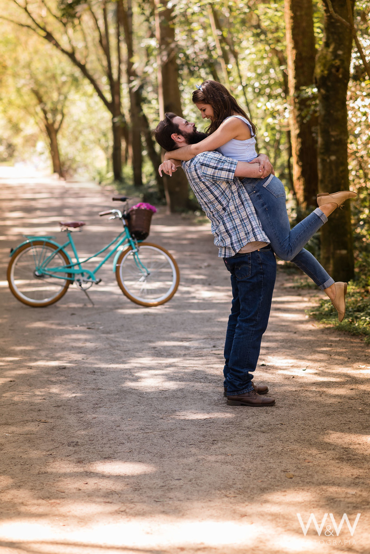 ensaio pré wedding casaL são paulo parque ecológico do tietê bicicleta retro temático