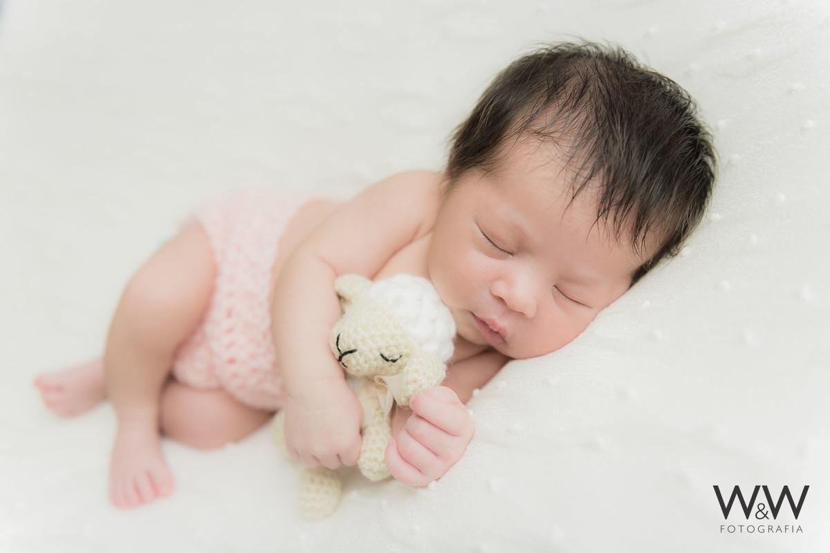 ensaio newborn menina estúdio wewfoto são paulo