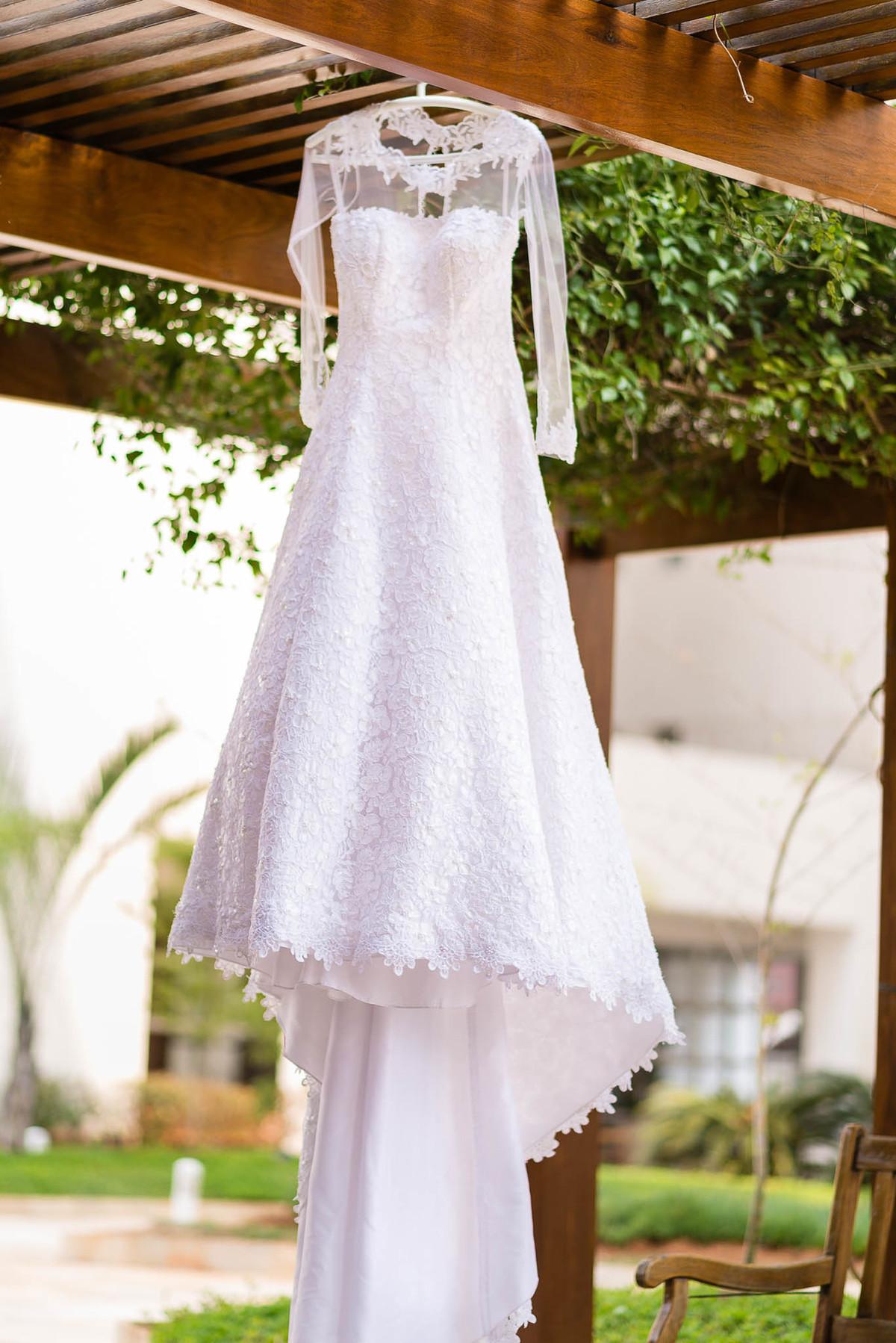 fotografia vestido noiva wewfotografia makingof branco pendurado saopaulo