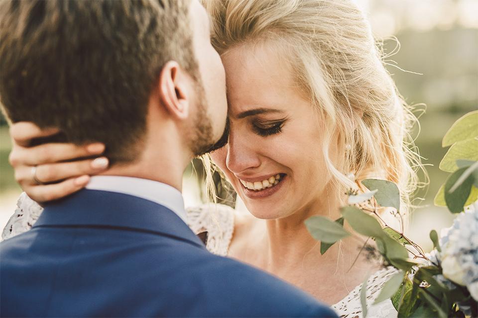 Imagem capa - Porque ninguém conta isso aos noivos? por Fotografia de Casamento em Goiânia - Goiás | Renata Barbosa Fotografia
