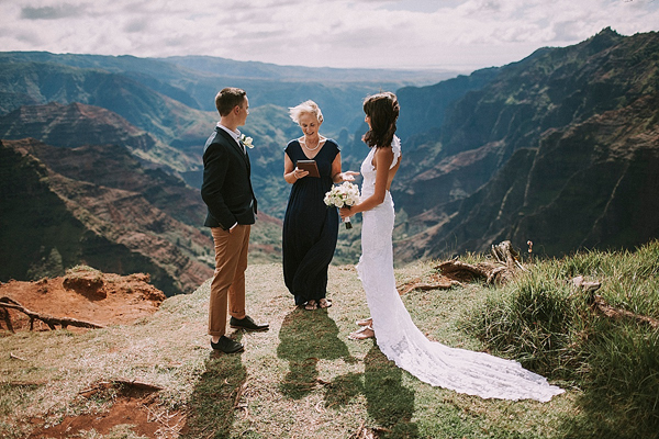 Imagem capa - ELOPEMENT WEDDING – O QUE É, COMO E ONDE FAZER por Thales Figueiredo