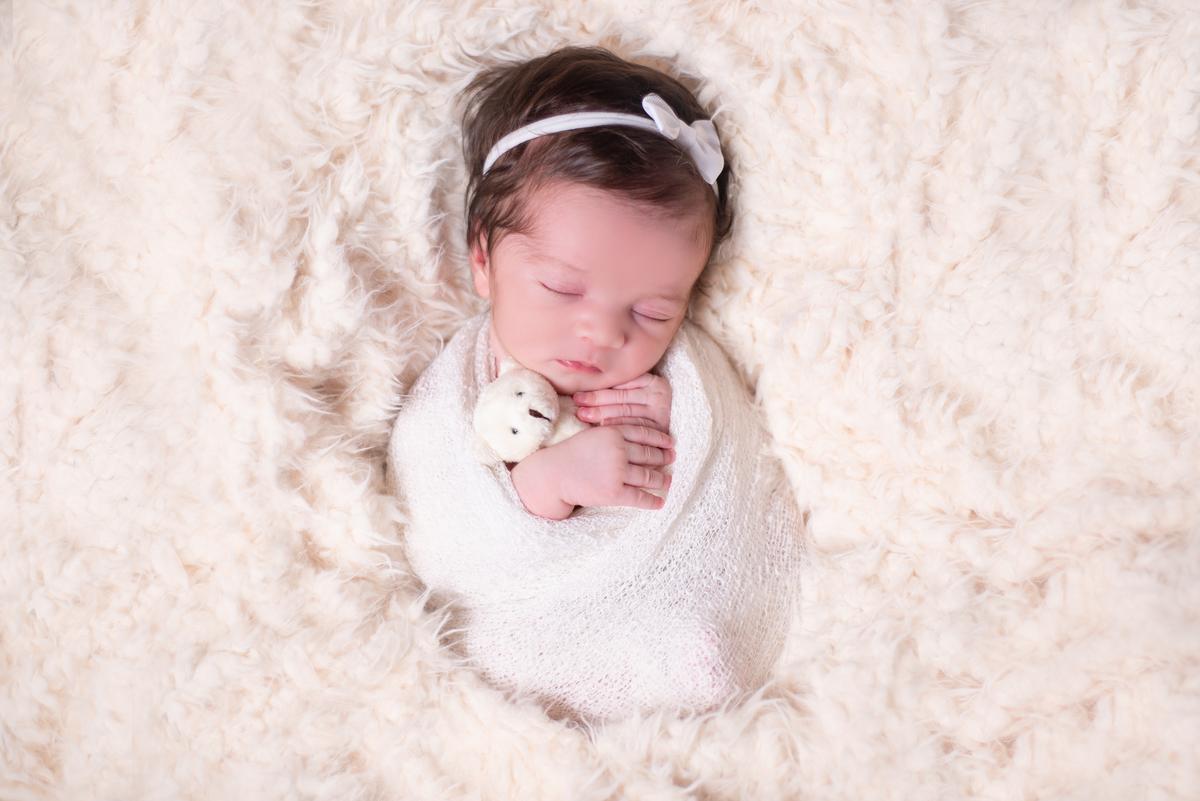 Imagem capa - Newborn: O que saber antes de contratar um fotógrafo? por Juliana Cirera