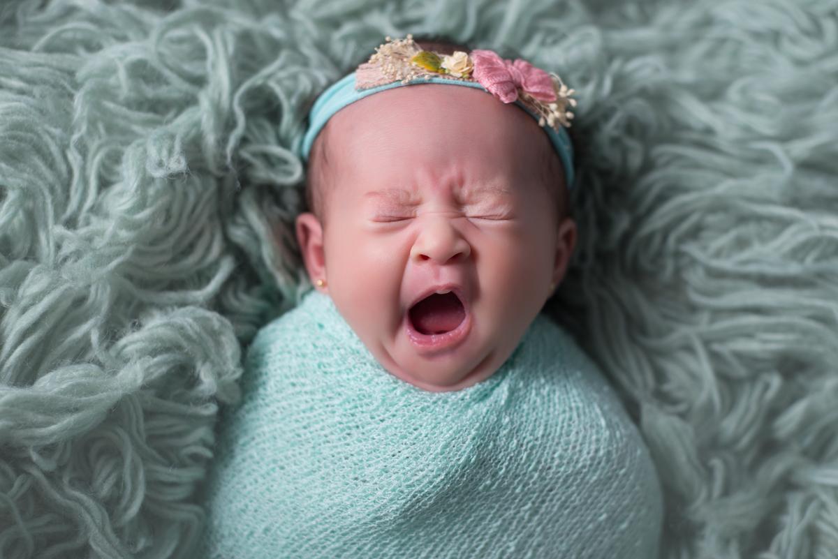 Imagem capa - Por que meu bebê chora tanto? por Juliana Cirera