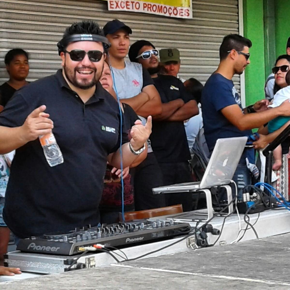 DJ William Costa em ação!