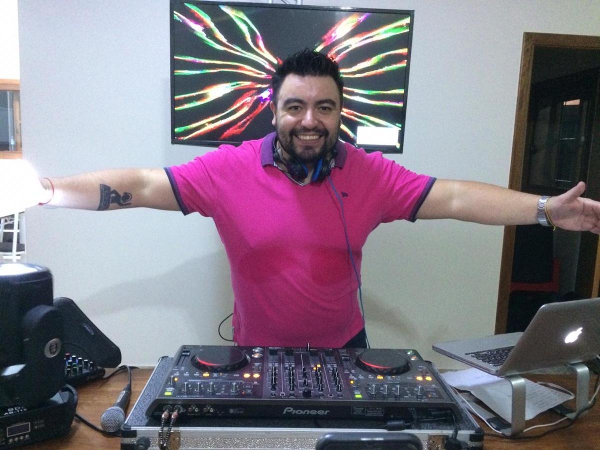 Imagem capa - Live com DJ William Costa ultrapassa marca de 5 mil visualizações por WILLIAM DE LIMA COSTA