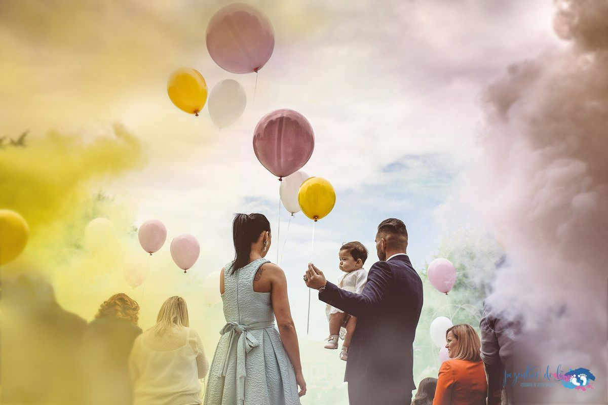 Imagem capa - Um céu pintado de cores e balões - O Batizado da Maria - Matosinhos por Pezinhos de Lã