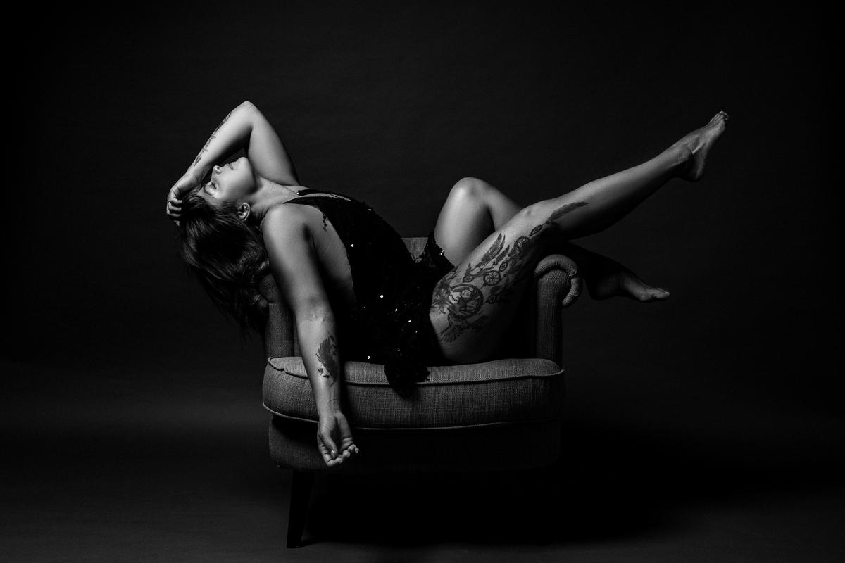 Imagem capa - 5 Motivos para fazer uma sessão fotográfica sensual / boudoir por Hélio Pedrosa