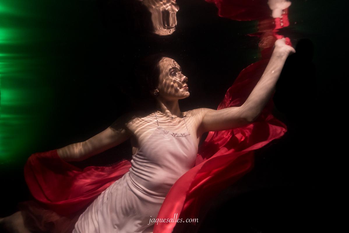 Imagem capa - Os Retratos Flutuantes e a Fotografia Fine Art por Jaque Salles