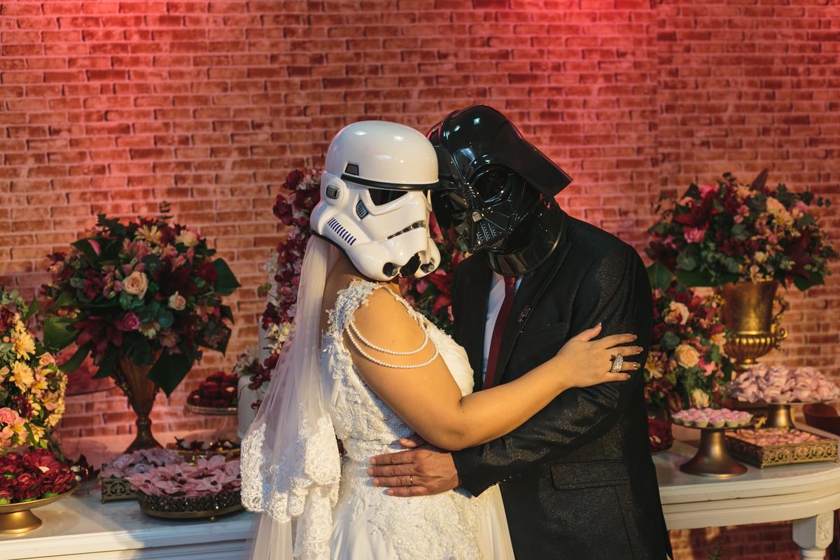 casamento Elizama Leonidas Wedding Macaé fotógrafo Eduardo Zavarize Terno Homem Mascara noiva vestido