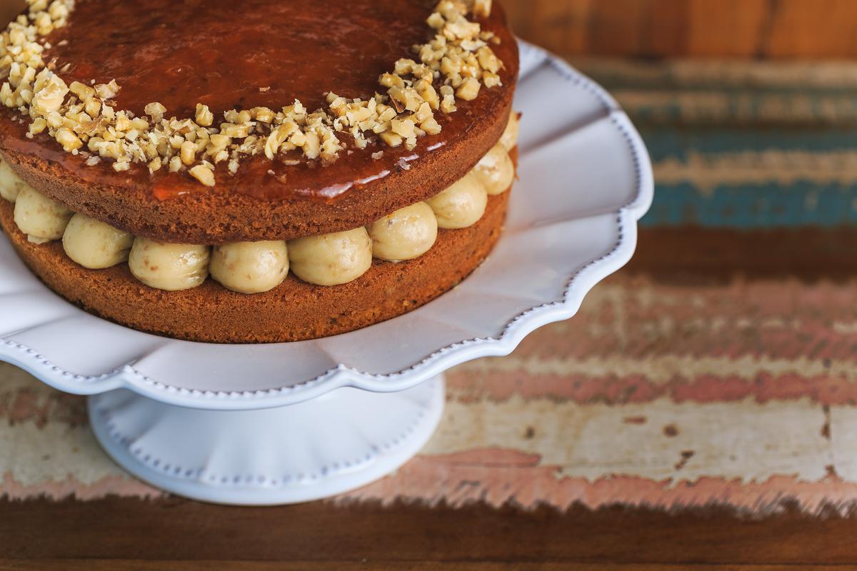 food gastronomia cake macaé Eduardo Zavarize fotógrafo flores bolos naked chocolate madeira design ferrero aniversário cenoura nozes