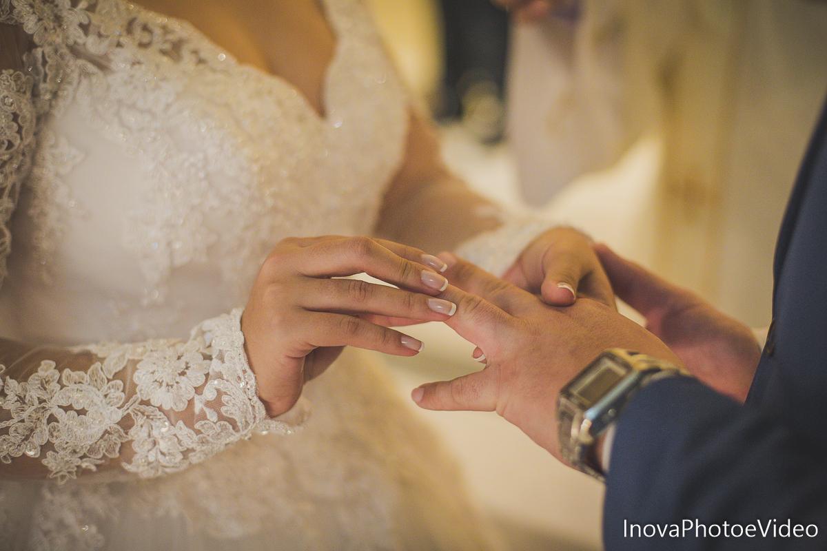 Jean Guilherme, Inova photo e video, o melhor fotografo, casamento, Igreja Matriz de Biguaçu, alianças,