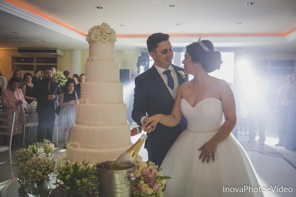 Jean Guilherme, Inova photo e video, o melhor fotografo, casamento, Igreja Matriz de Biguaçu, bolo casamento