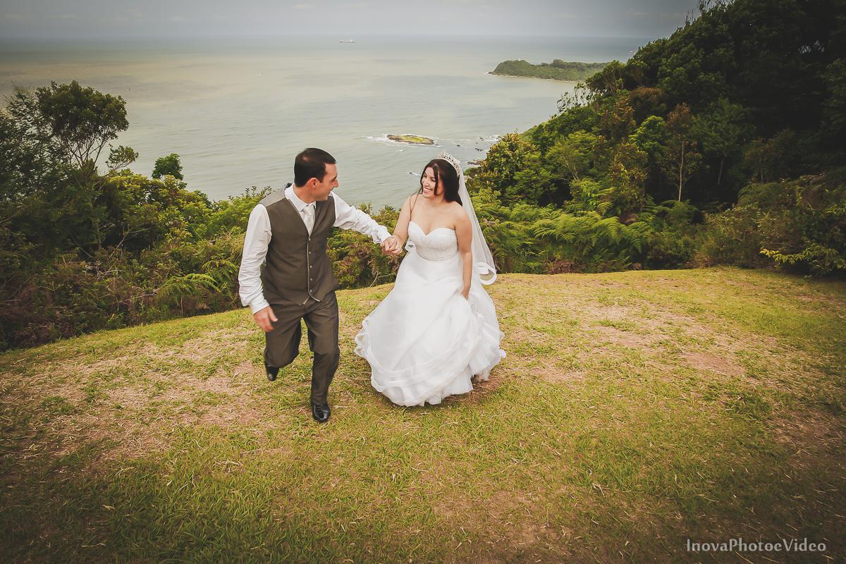 trash-the-dress-Luciano-Bianca-Itahai-SC-Praia-Cabeçudas-fotografia-wedding-vestido-noiva-bride-noivos-casal-inova-photo-video-corrida
