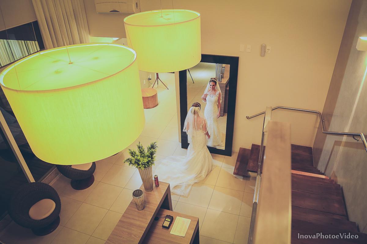 wedding-Renato-Fabricia-casamento-matriz-Biguaçu-SC-inova-photo-video-making-of-noiva-vestido-aletiê